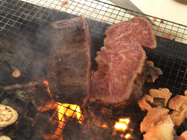 塊肉の表面を焼く